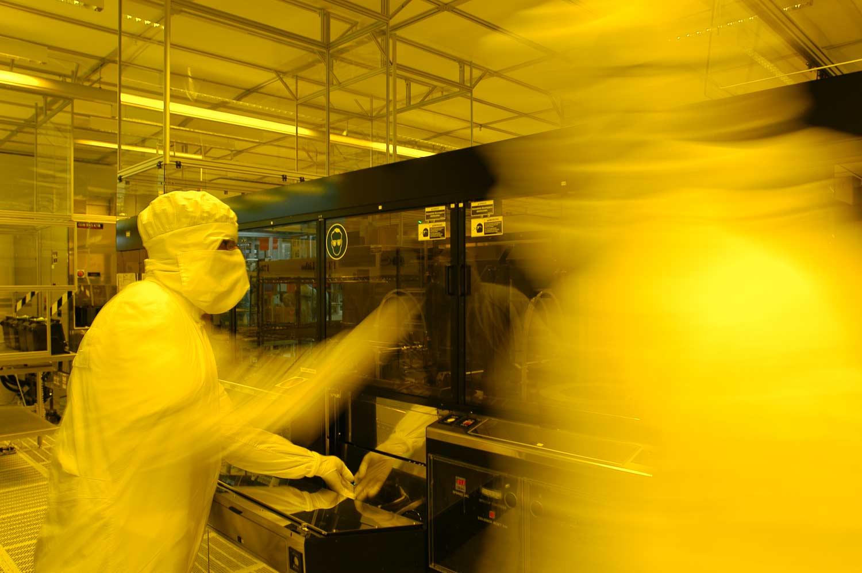 Fotolithographie im Reinraum - Infineon Technologies AG Regensburg
