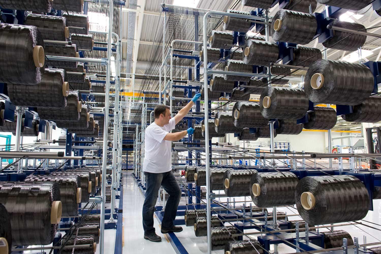Verarbeitung von Carbonfasern  - SGL Automotive Carbon Fibers GmbH & Co. KG, einem BMW Group und SGL Group Joint  Venture