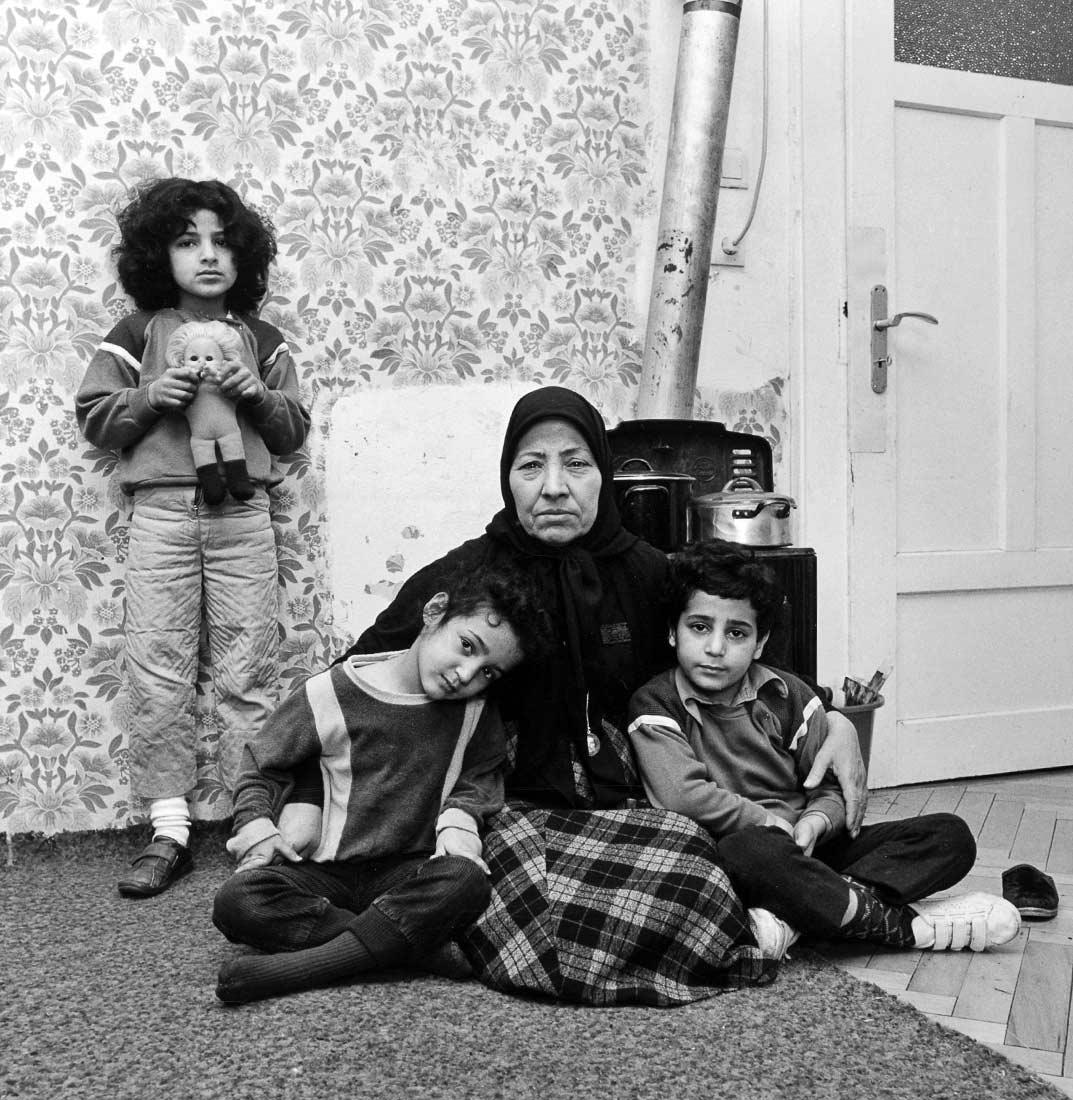 Großmutter und Enkel, Asylbewerber aus dem Libanon - Regensburg 1986