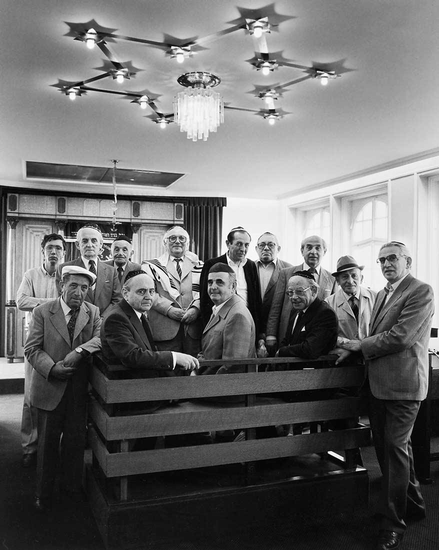 Mitglieder der Jüdische-Gemeinde Regensburg, darunter fast alle Holocaust Überlebende - Regensburg 1984