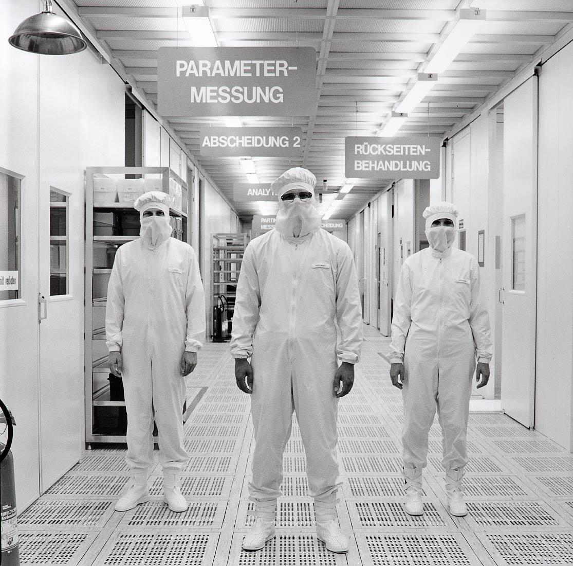 Operators im Reinstraum des Mega-Werkes der Siemens AG - Regensburg 1988
