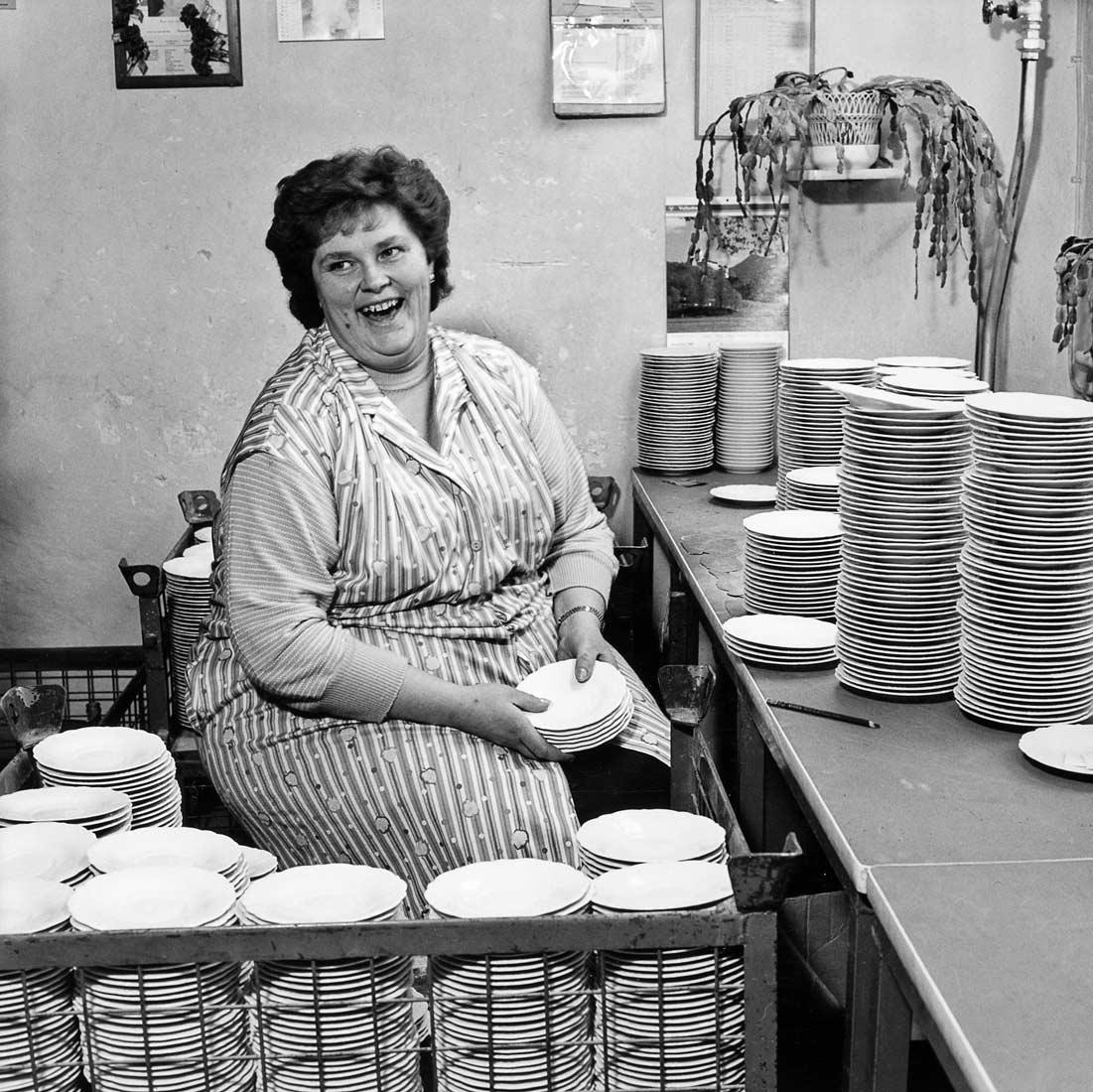 Porzellansortiererin der Porzellanfabrik Hutschenreuther AG - Tirschenreuth 1987