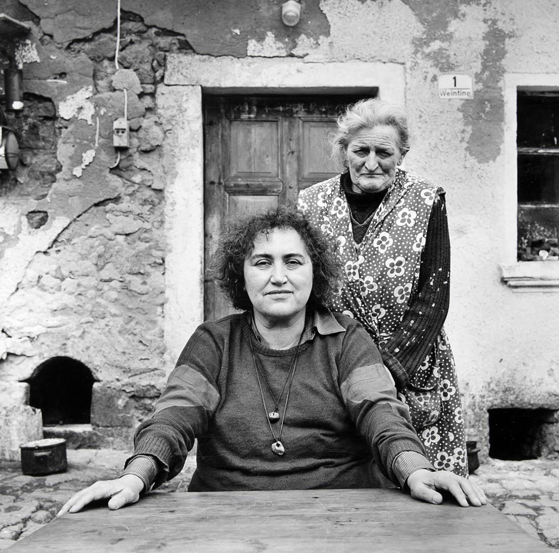 Sagenforscherin Emmi Böck mit Gewährsfrau - Weinting bei Nittenau 1987