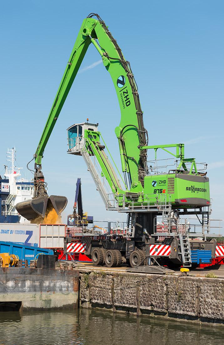 Sennebogen 875 E Hybrid  - ZHD Stevedores - Dordrecht_Niederlande
