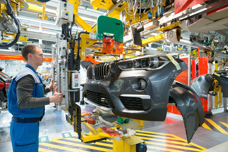 BMW X2 - Montage, Frontend-Einbau - BMW Group Werk Regensburg