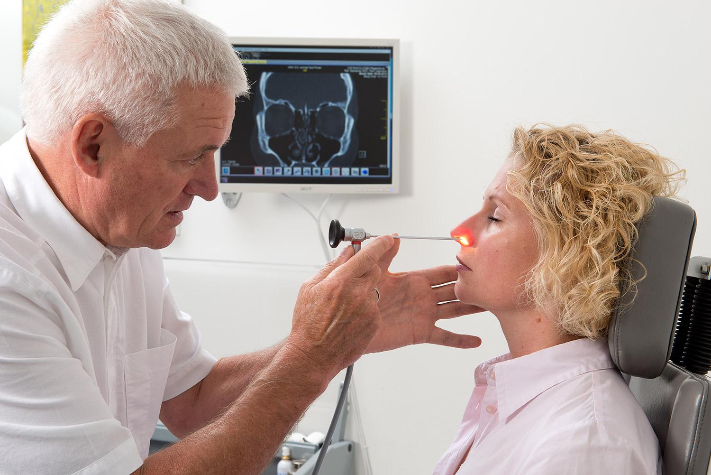 Endoskopische Untersuchung der Nase und der Nasennebenhöhlen - HNO-Praxen Dr. Erich Gahleitner und Dr. Katharina Dalles