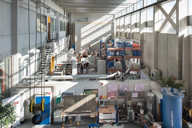 Versuchshalle der Bauingenieurfakultät, Haus der Technik - OTH Regensburg