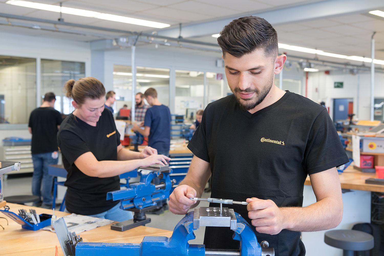 Mechatroniker - Continental Automotive GmbH