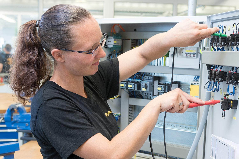 Elektronikerin für Betriebstechnik - Continental Automotive GmbH